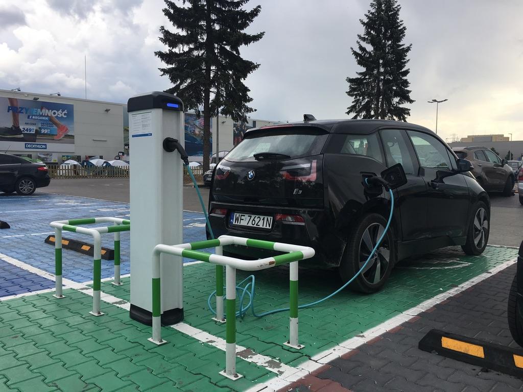 ładowarka samochodów elektrycznych rumia