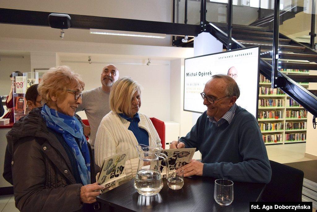 Michał Ogórek, ceniony dziennikarz, felietonista i satyryk był w środę (15 maja) gościem Stacji Kultura w Rumi.