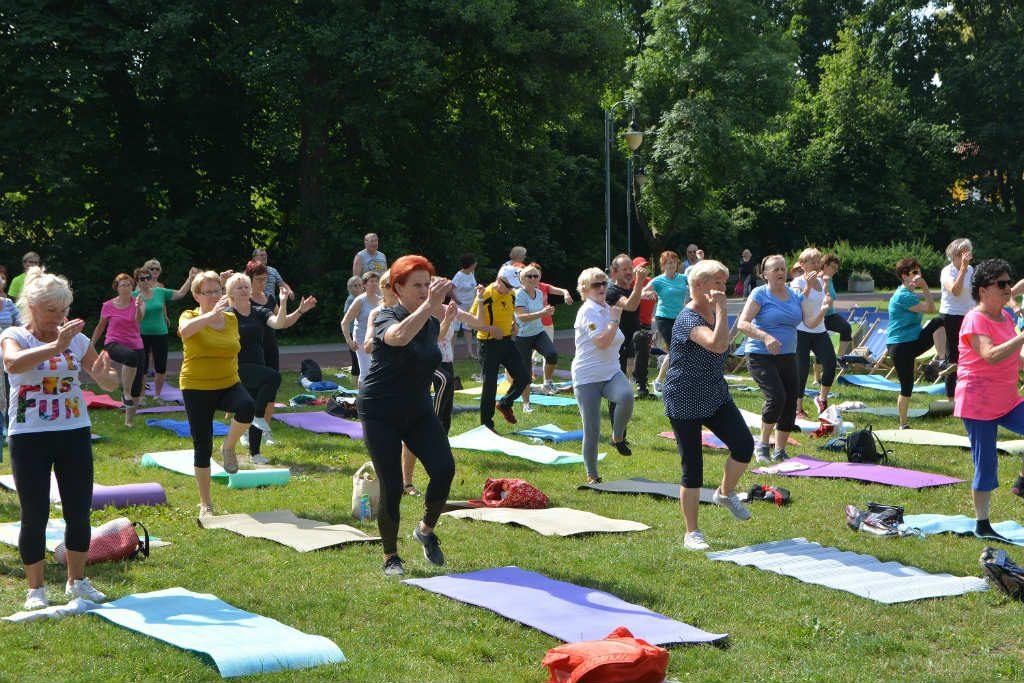 """W zdrowym ciele, zdrowy duch! Program """"Aktywny senior"""" w Rumi."""