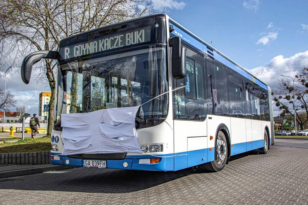 Autobusy ZKM Gdynia…założyły maski!