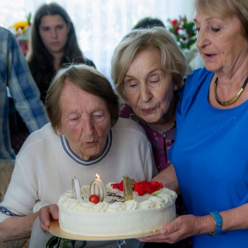 stulatkowie-w-rumi-sto-lat-mieszkancy-rumi-urodziny-2