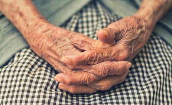oszusci rumia reda wejherowo starsze osoby dziadek babcia policja metoda na pielegniarke