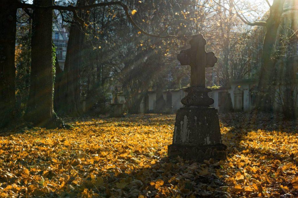 Rumia. Zamknięte cmentarze na Wszystkich Świętych
