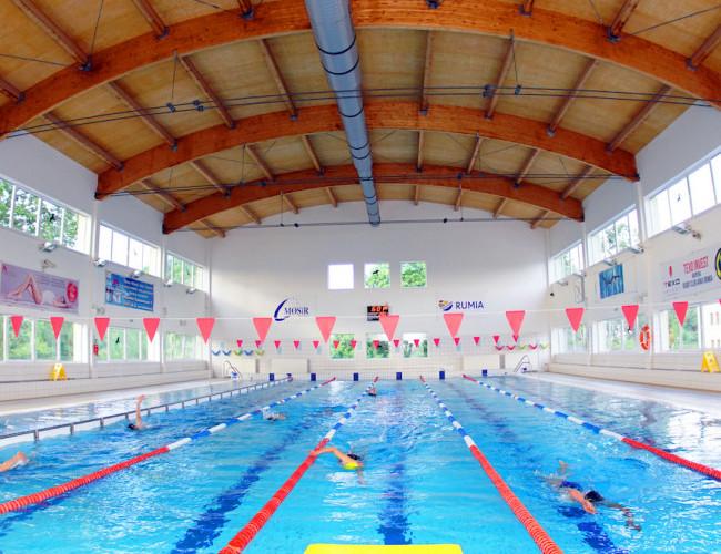 Gdzie pójść na basen w Rumi? Pływalnia znów jest otwarta dla mieszkańców!