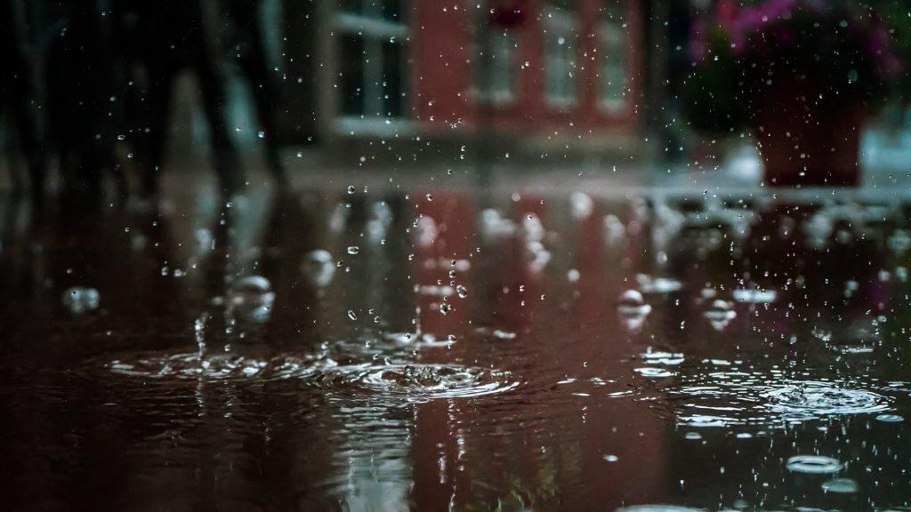 """Ul. Nagietkowa w Rumi po """"umiarkowanych"""" opadach deszczu [Problemy czytelników]"""